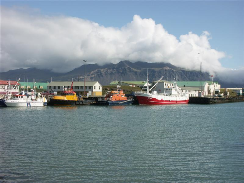 Iceland Hofn-the harbor.jpg