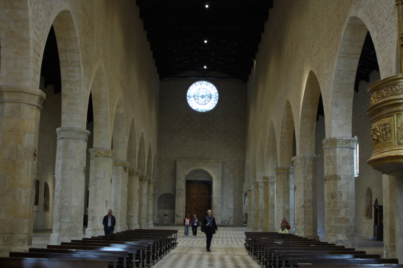 BasilicaSanMariaColl.JPG