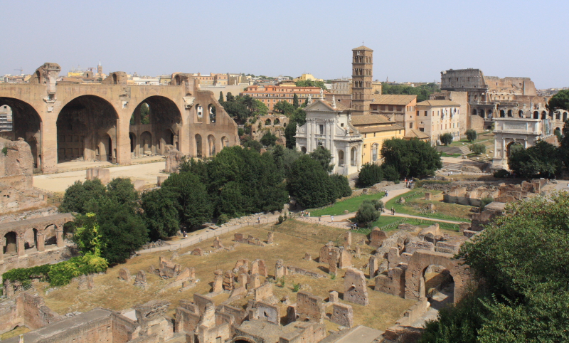 RomanForum1.JPG