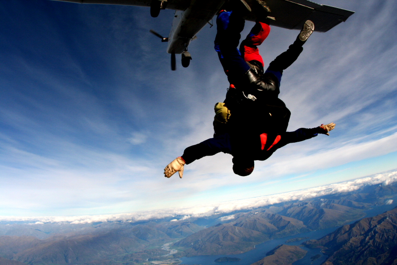IMG_3388SKYDIVING_SMALL.JPG