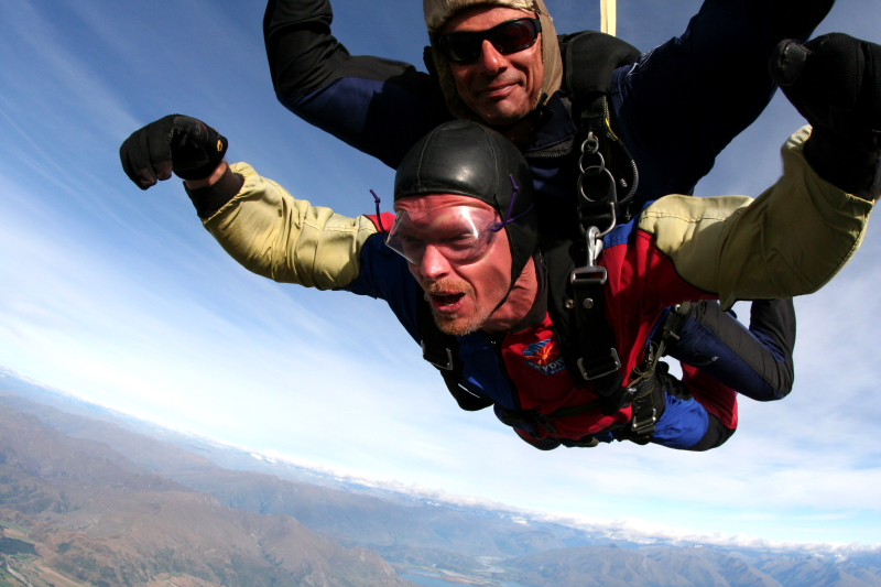 IMG_3416SKYDIVING_SMALL.JPG