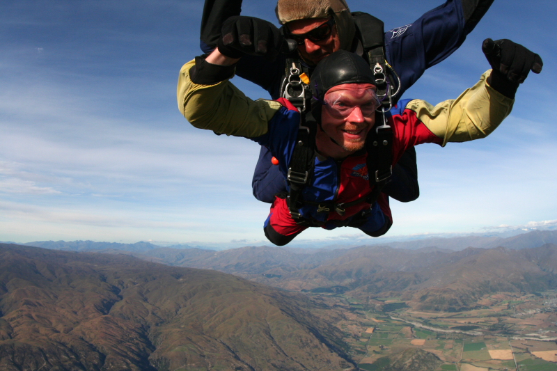 IMG_3426SKYDIVING_SMALL.JPG