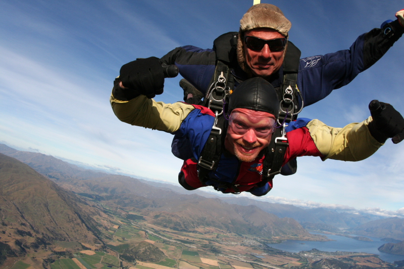 IMG_3430SKYDIVING_SMALL.JPG