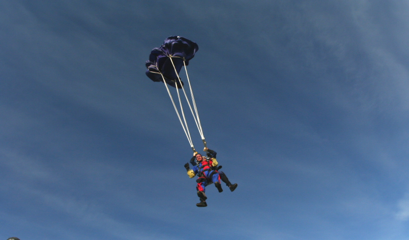 IMG_3434SKYDIVING_SMALL.JPG