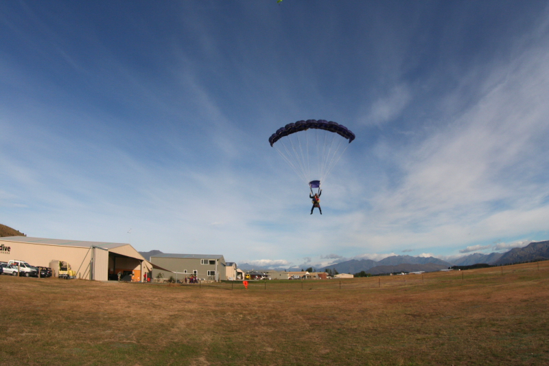 IMG_3443SKYDIVING_SMALL.JPG